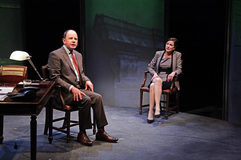 Simon-Chandler-and-Belinda-Lang-in-The-Letter-of-Last-Resort-1